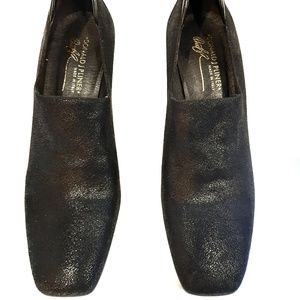 Donald J. Pliner Shoes - Donald J Pilner snake skin chunky heel 9